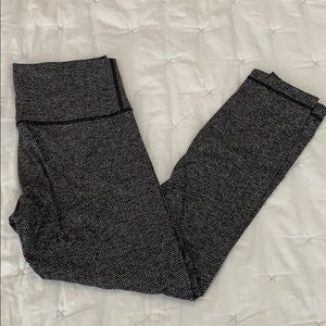 Lululemon houndstooth wunder under crop 8